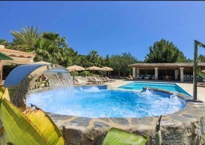 YTIN IBIZA EXPERIENCE - de locatie op Ibiza met zwembad